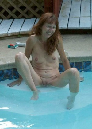 Wife swims naked in the pool