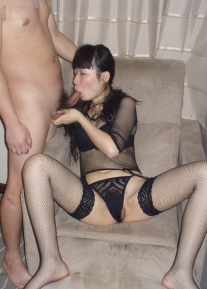 Chinese woman fucks her husband and his European friend