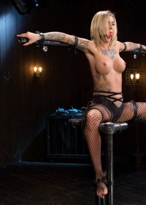 Kleio Valentien, The Pope - Blonde porn gallery № 3534975