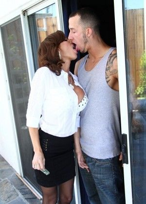 Veronica Avluv - Rimming porn gallery № 3550681