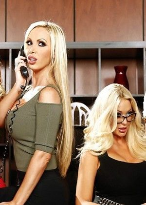 Nikki Benz, Summer Brielle, Courtney Taylor, Nina Elle - Secretary porn gallery № 3454414
