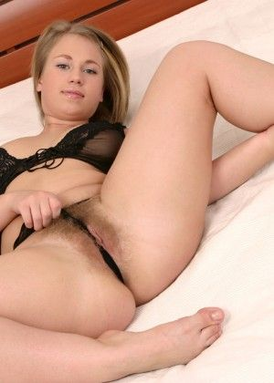 Hairy pussy Veronica