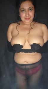Plump, married Pakistani with big breasts