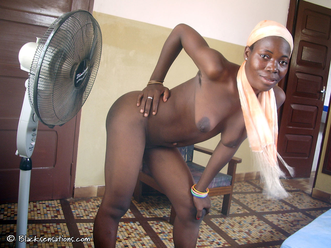 Real African from Ghana posing naked for money » 100% ...