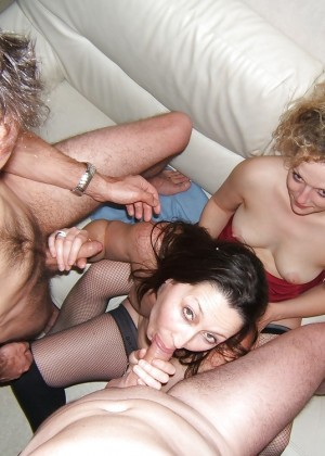 Group sex of French swingers