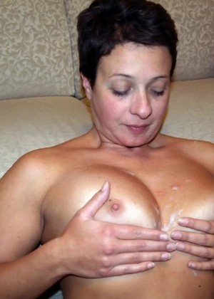 Mature Italian Carla often shows herself naked on a webcam