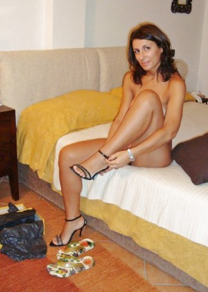 Lovely Italian wife in a nude