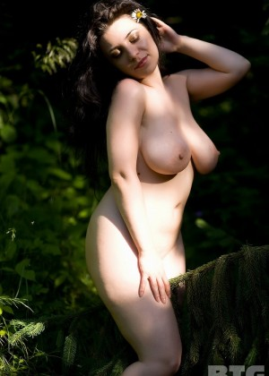 Beautiful Egyptian Nude Outdoors
