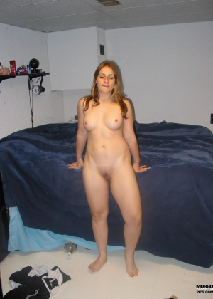 Slightly plump girl from Argentina gently sucks cock