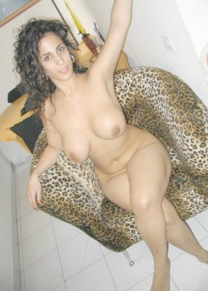 Naked Jewess Maya