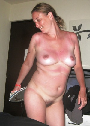 Naked housewife Sue from New Jersey