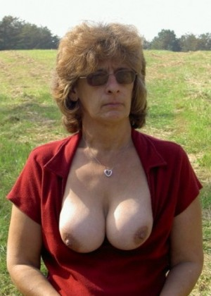 Hairy pussy mature Susan from New Jersey