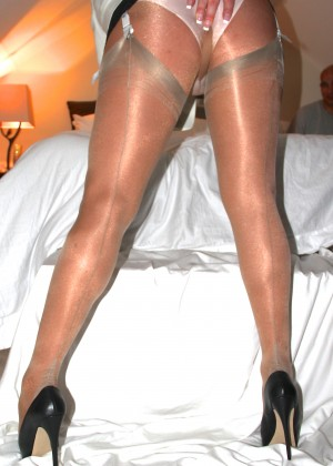 Beautiful legs in the pantyhose of some woman from Vermont