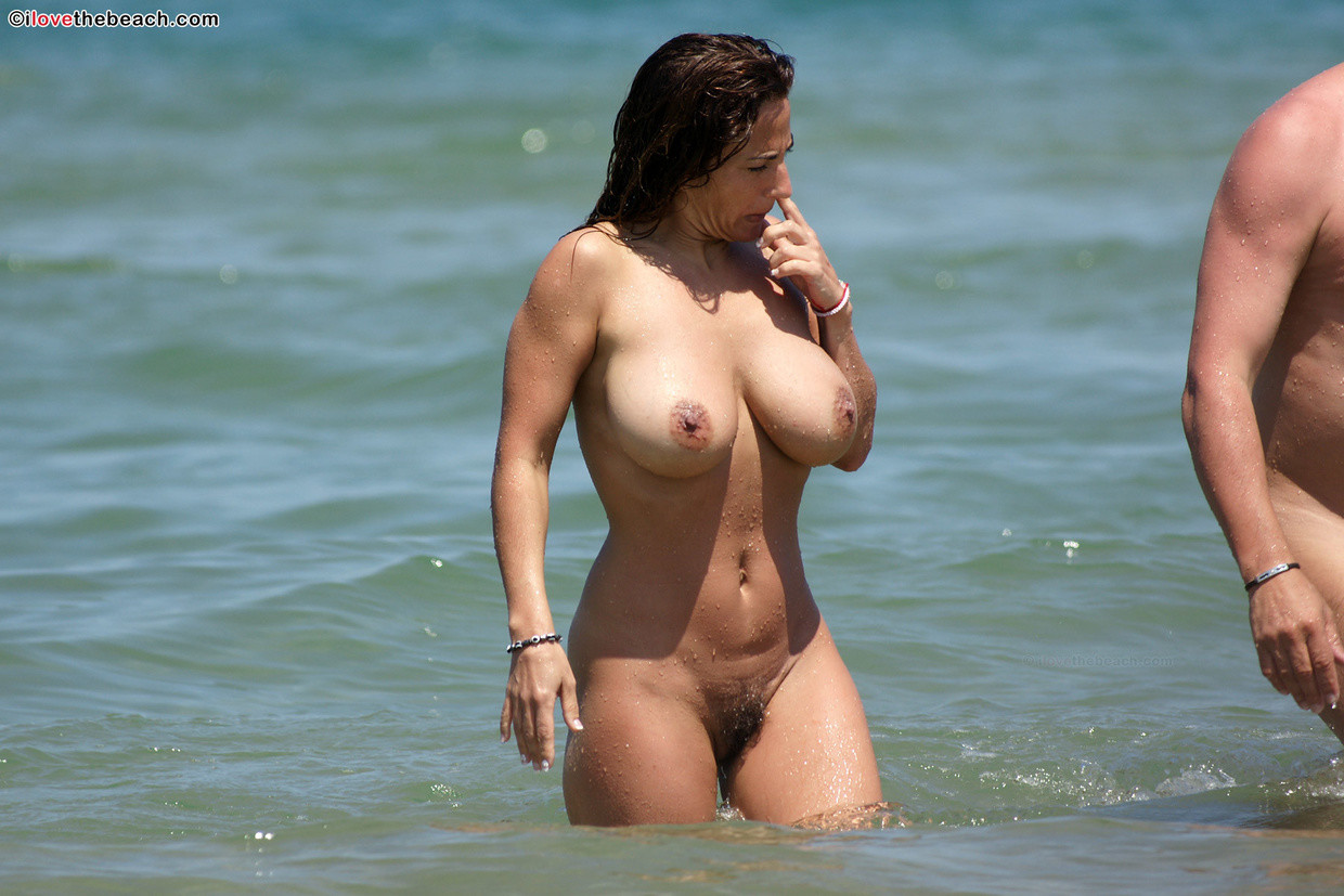 from Leonel busty naked beach moms